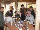 Komisja oblicza wyniki. Konkurs Tropowców i Posokowców. 26.04.2003 Biała Podlaska.