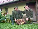poszliśmy z Sylwkiem za bykiem,a przynieśliśmy misę podgrzybków - Tuły,pażdziernik 2006