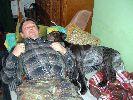 ja, żona, rozpuszczam psa.....  psa należy trzymać krótko ...  pies musi znać swoje miejsce ... hmm  pan i jego pies  prowadzony